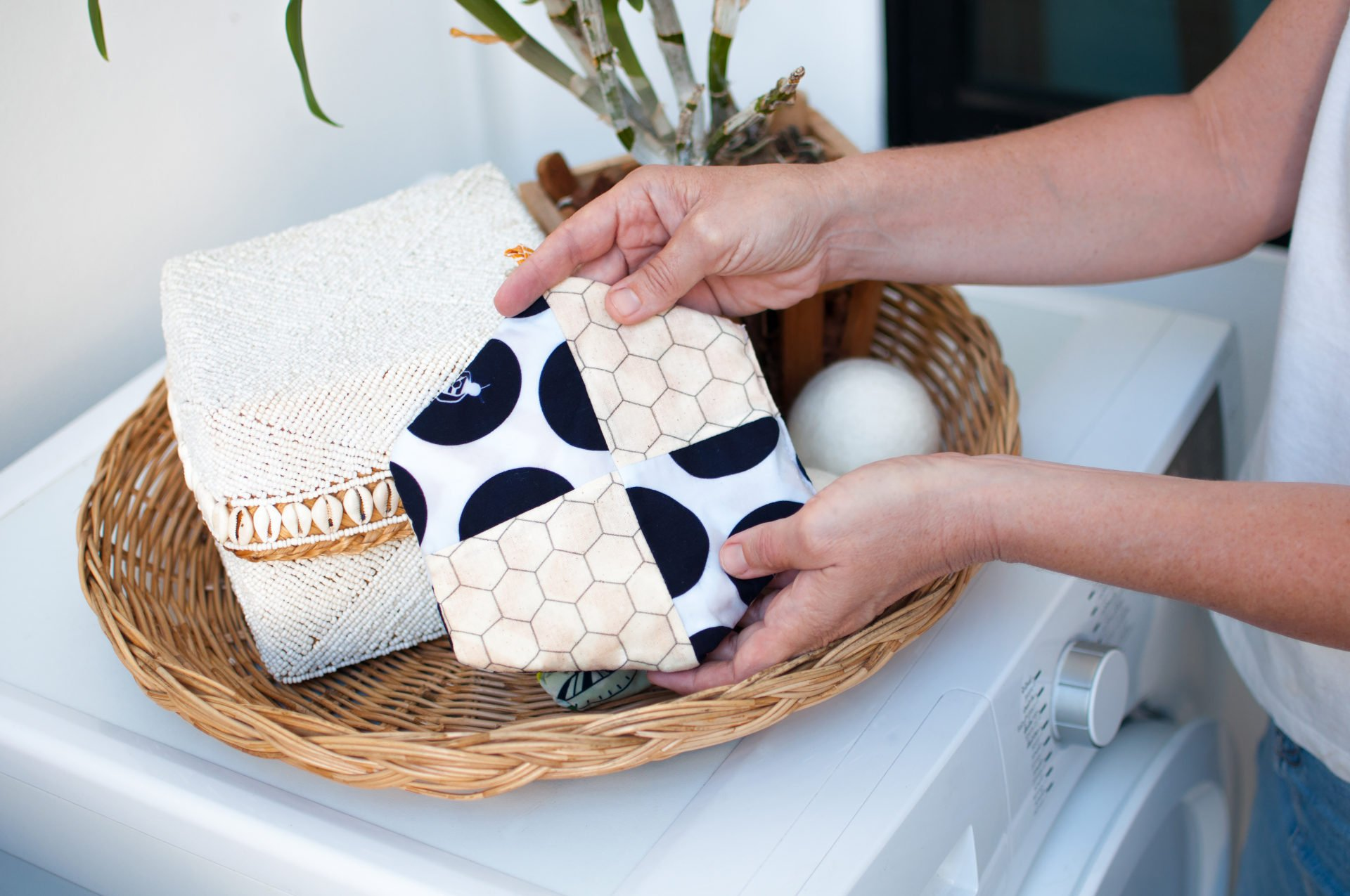 Hexawash, a Chemical-Free Laundry Detergent Alternative